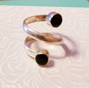 Vintage Jewelry - Signed Sterling Silver Black Onyx Spiral Ring